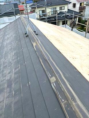 大崎市T様邸-太陽光パネル脱着屋根板金カバー工
